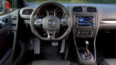 Volkswagen Golf GTI Mk VI: gli interni