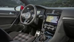 Volkswagen Golf GTI Mk VII Performance: gli interni