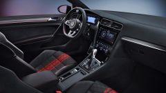 Volkswagen Golf GTI TCR: la plancia