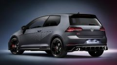 Volkswagen Golf GTI TCR: vista 3/4 posteriore