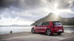 Volkswagen Golf GTI: vista 3/4 posteriore