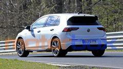 Volkswagen Golf R 2020, in evidenza l'ala dello spoiler sul tetto