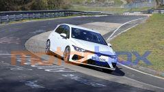Volkswagen Golf R 2020 in prova al Nurburgring