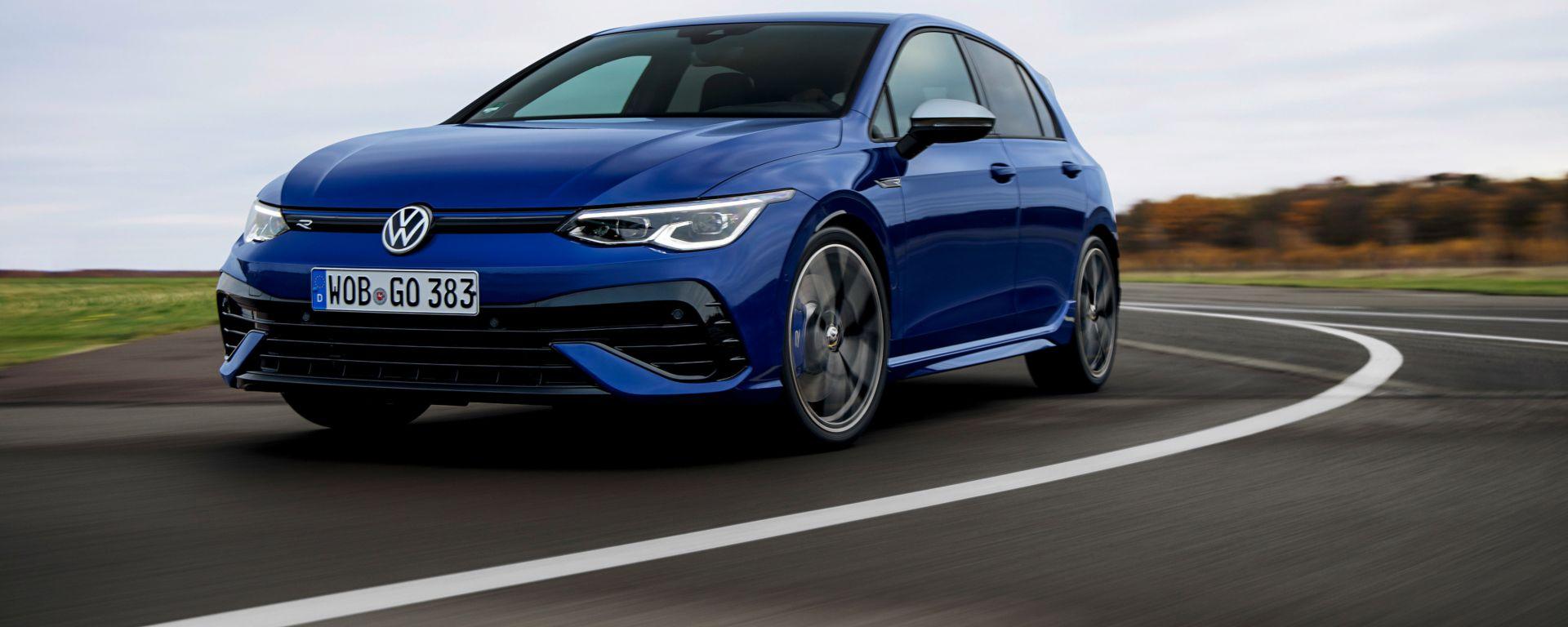 Volkswagen Golf R: in Italia con motore da 320 CV