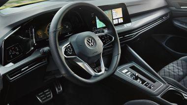 Volkswagen Golf R-Line: gli interni specifici per questo allestimento