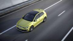 Volkswagen Golf R-Line: visuale dinamica dall'alto
