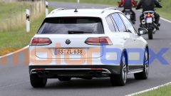 Volkswagen Golf R Variant 2021: visuale posteriore