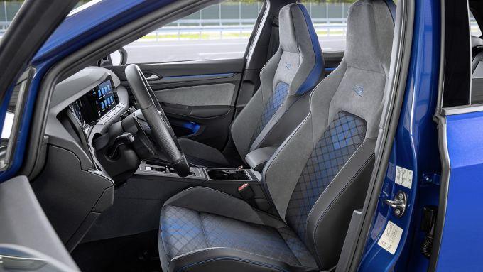 Volkswagen Golf R Variant: i sedili sportivi