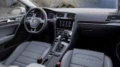 Volkswagen Golf restyling: debutta anche il nuovo monitor touch da 9,2 pollici per il sistema di infotainment