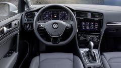 Volkswagen Golf restyling: debutta, come optional, la strumentazione completamente digitale con monitor da 12,3 pollici