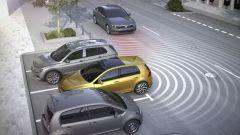 Volkswagen Golf restyling: è presente anche il radar posteriore per l'uscita dal parcheggio