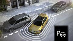 Volkswagen Golf restyling: il sistema di parcheggio automatico