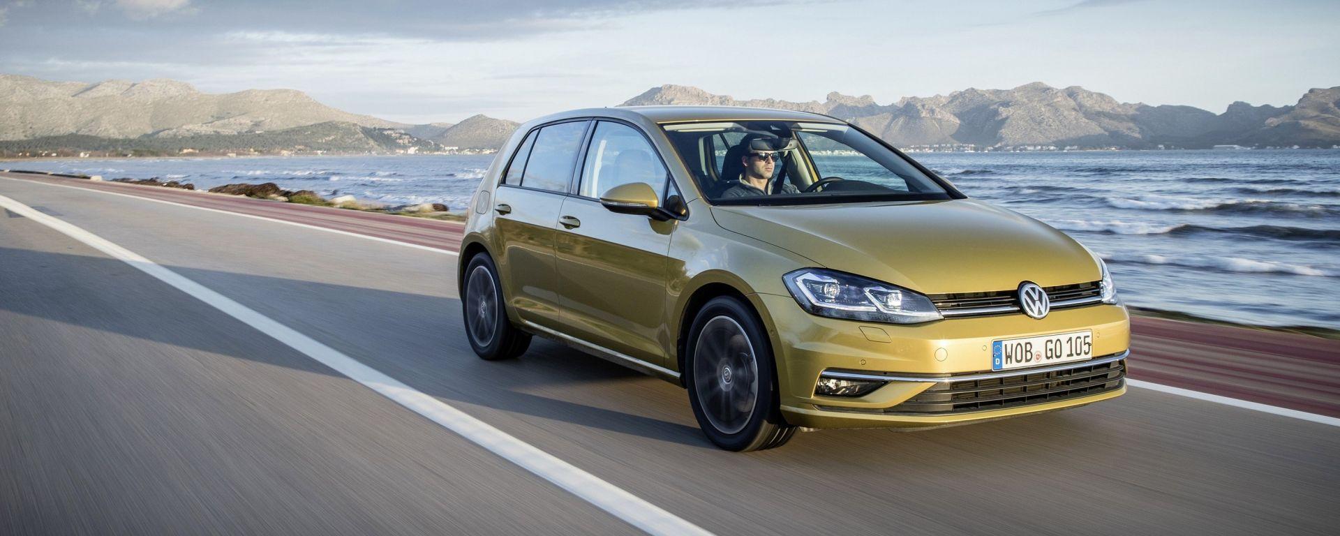 Volkswagen Golf restyling: la compatta tedesca si aggiorna (poco) nelle linee e (molto) nella tecnologia