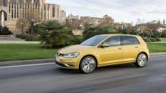 Volkswagen Golf restyling: novità anche sotto il motore. Si tratta del 1.5 turbo benzina a 4 cilindri