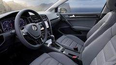 Volkswagen Golf restyling: qualità di materiali e assemblaggi è sempre molto alta
