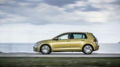 Volkswagen Golf restyling: vista laterale