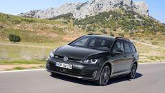 Volkswagen Golf Variant 2015, vista 3/4 anteriore