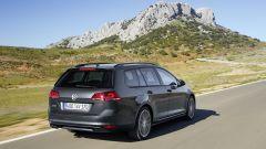 Volkswagen Golf Variant 2015, vista 3/4 posteriore