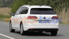 Volkswagen Golf Variant 2021: vista posteriore