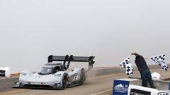 Volkswagen I.D. R: battuto il record di Loeb alla Pikes Peak - Immagine: 2