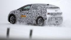 Volkswagen ID Neo 2020: foto spia, vista 3/4 posteriore