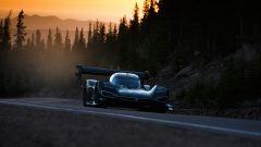 Volkswagen I.D. R punta a battere il record elettrico alla Pikes Peak