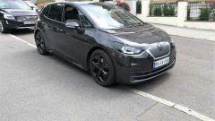 Volkswagen ID.3 spiata a Stoccarda: vista 3/4 anteriore