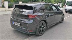 Volkswagen ID.3 spiata a Stoccarda: vista posteriore