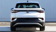Volkswagen ID.4 2021, vista posteriore, con tetto panoramico
