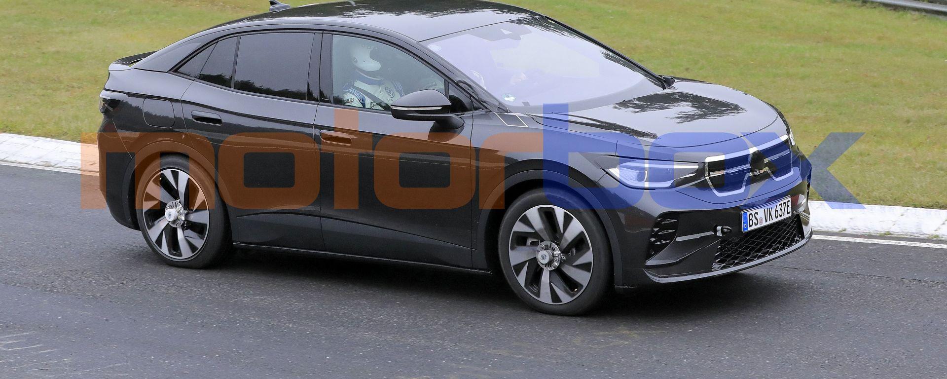 Volkswagen ID.5, prime foto spia del SUV coupé elettrico