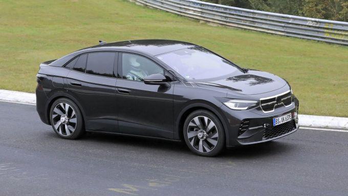Volkswagen ID.5: visuale di 3/4 anteriore