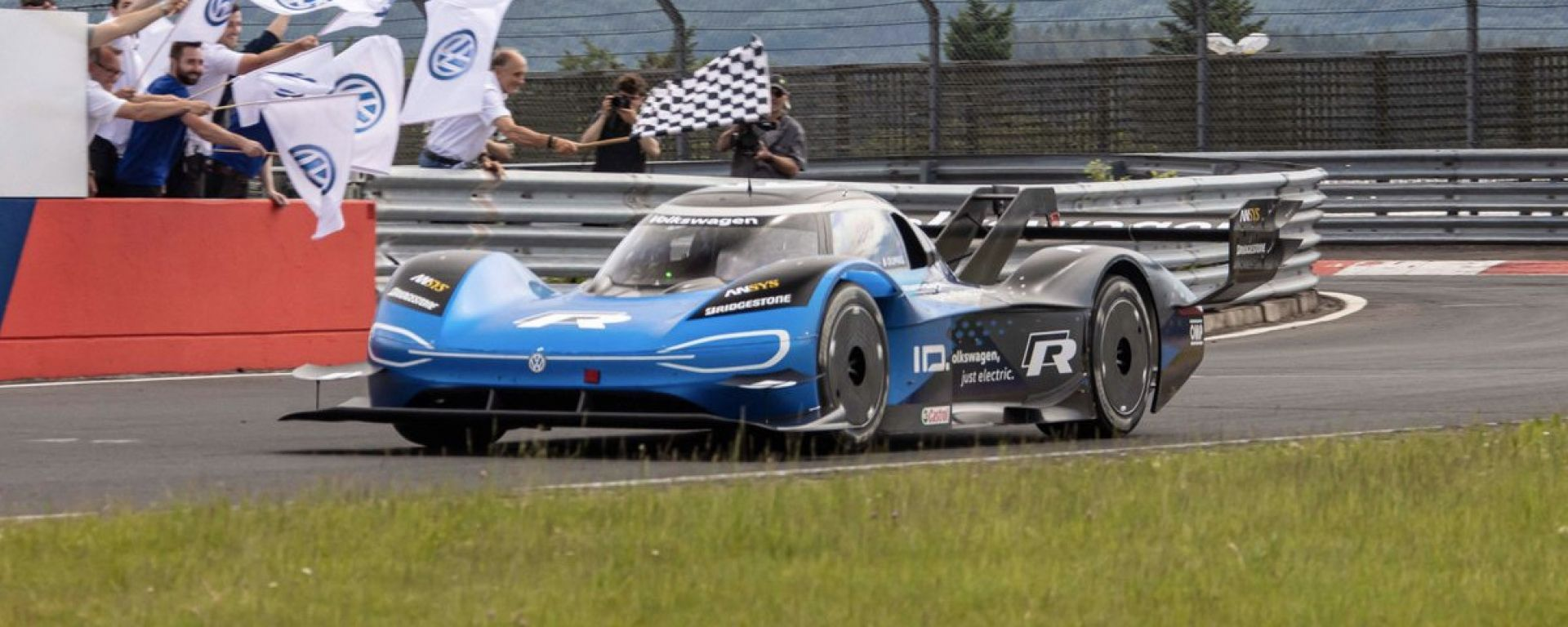 Volkswagen ID.R, è record per un'elettrica al Nürburgring