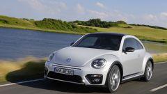 Volkswagen Maggiolino: col model year 2017 cambia il disegno del paraurti anteriore
