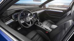 Volkswagen Passat 2019: eccola, con Diesel più ecologici - Immagine: 10