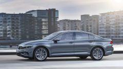 Volkswagen Passat 2019: eccola, con Diesel più ecologici - Immagine: 14
