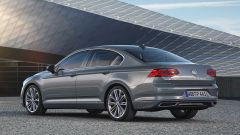 Volkswagen Passat 2019: eccola, con Diesel più ecologici - Immagine: 15