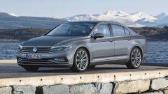 Volkswagen Passat 2019: eccola, con Diesel più ecologici - Immagine: 16