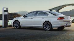Nuova Volkswagen Passat 2019 ibrida: autonomia, consumi, prezzo