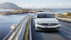 Volkswagen Passat GTE: il frontale