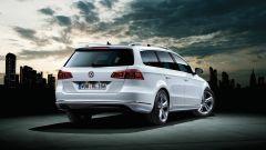 Volkswagen Passat Variant 2012, vista 3/4 posteriore