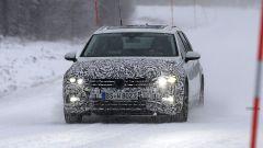 Volkswagen Passat Variant 2019: spiata la Wagon restyling - Immagine: 2