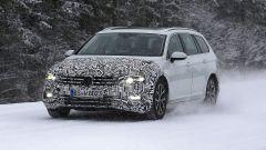 Volkswagen Passat Variant 2019: spiata la Wagon restyling - Immagine: 4