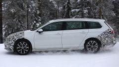 Volkswagen Passat Variant 2019: spiata la Wagon restyling - Immagine: 7
