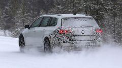 Volkswagen Passat Variant 2019: spiata la Wagon restyling - Immagine: 11