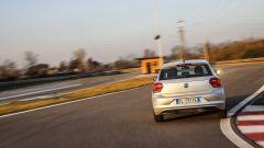 Volkswagen Polo 2017 tra i cordoli