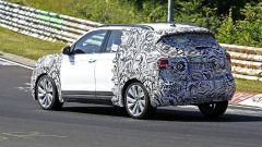 Volkswagen T-Cross 2018: teaser e foto spia del Suv - Immagine: 26