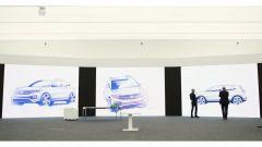 Volkswagen T-Cross 2018: teaser e foto spia del Suv - Immagine: 21