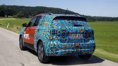 Volkswagen T-Cross 2018: teaser e foto spia del Suv - Immagine: 32