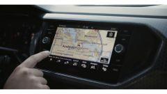 Volkswagen T-Cross: nuovi dettagli di interni e esterni - Immagine: 11