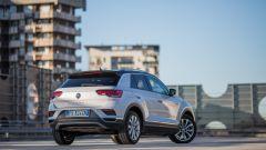 Volkswagen T-Roc 1.6 TDI: vista 3/4 posteriore